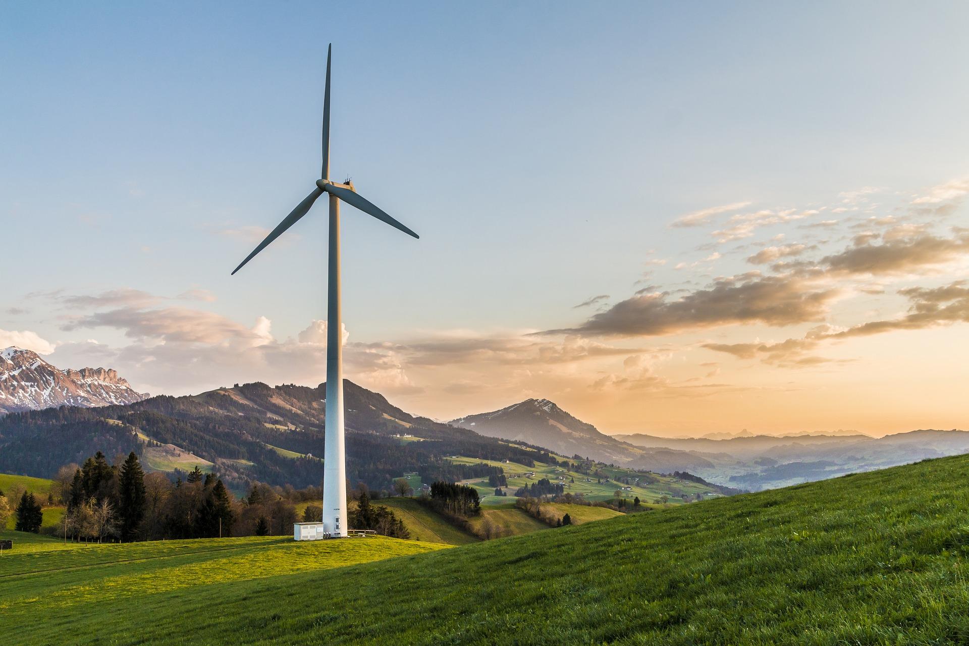 wind-turbine-2218467_1920.jpg